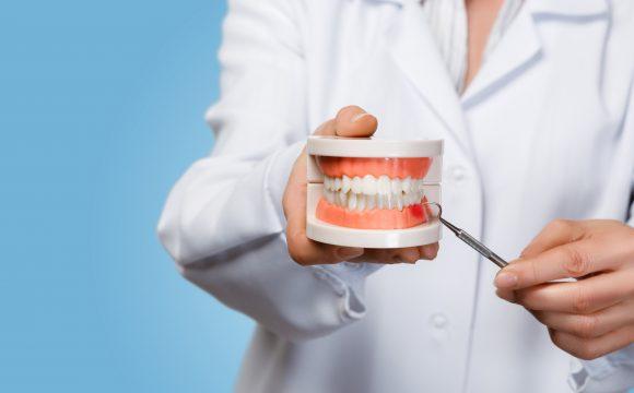 iStock 1147465773 580x360 - Clínica Autran Odontologia